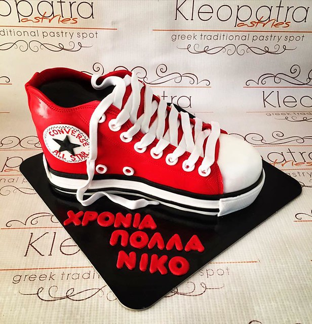 Converse All Star by Kleopatra Pastries