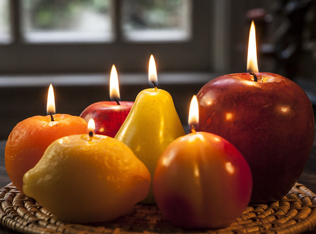 curious candles, Canon EOS 5D MARK II, Canon EF 100mm f/2.8 Macro USM