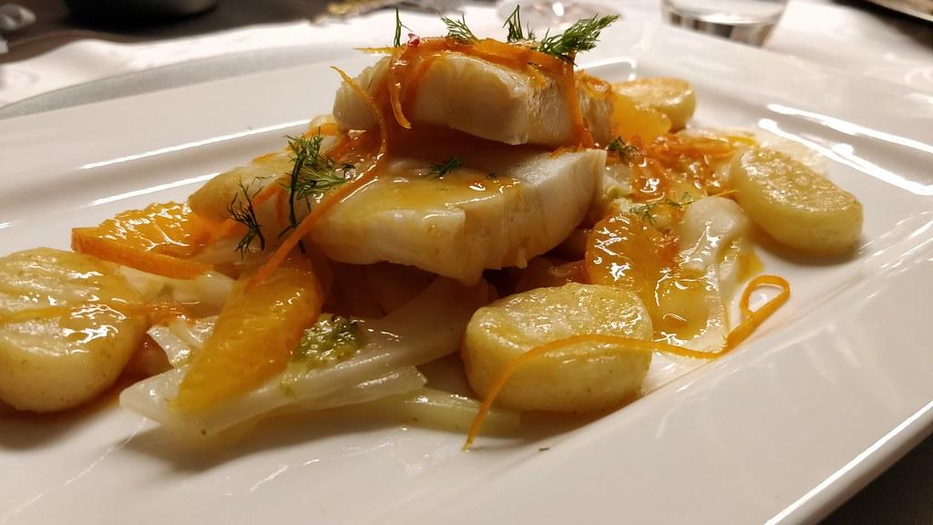 Heilbutt-Filet in Orangenbutter mit Orangen-Fenchel und Erdäpfel-Gnocchi