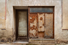 Decay - Photo of Forcalqueiret