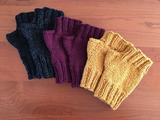 Stash busting fingerless mitts. #knitting #fingerlessmitts