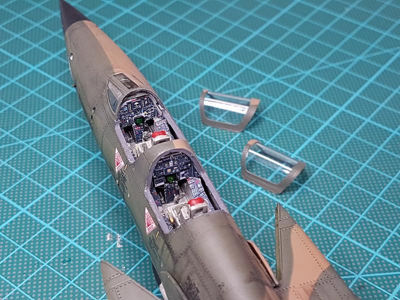 Trumpeter 1/72 F-105G Wild Weasel - Sida 7 40431010983_22eeb982a3_c