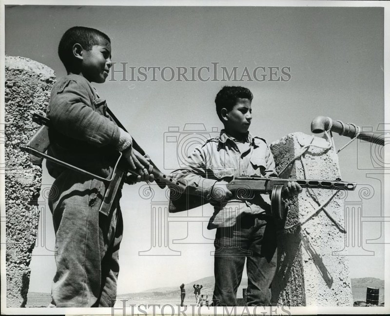 PPSh-Port-Said-Fatah-jordanian-camp-1969-eby-2