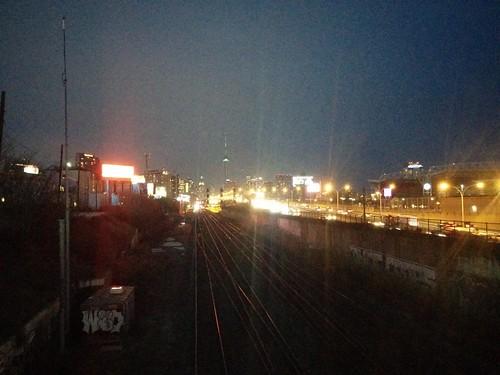 East towards the downtown at night #toronto #twilight #night #skyline #dufferingate #gardinerexpressway #latergram