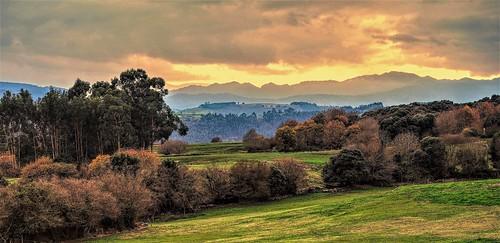 Cantabria, sus valles, sus cumbres.