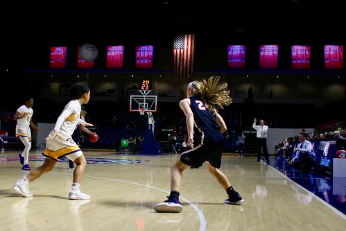 Women's basketball vs Morehead State 2019