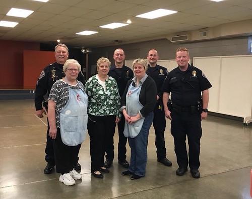 Speedway United Methodist Church Serves Breakfast to SPD Officers