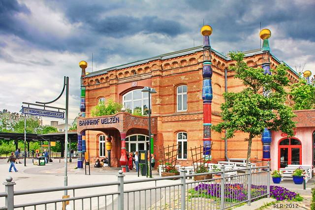 Hundertwasser-Bahnhof Uelzen, Canon EOS 450D, Tamron AF 18-270mm f/3.5-6.3 Di II VC LD Aspherical [IF] Macro