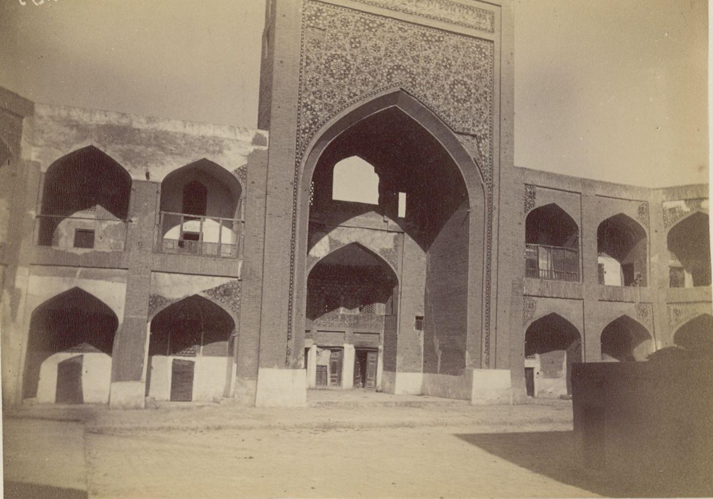 02. Бухара. Двор Большой мечети