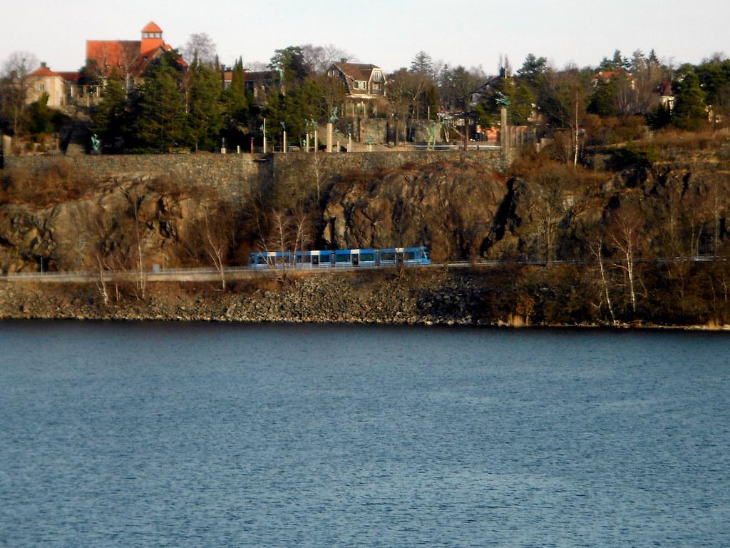 Остров Lidingö. Трамвай.