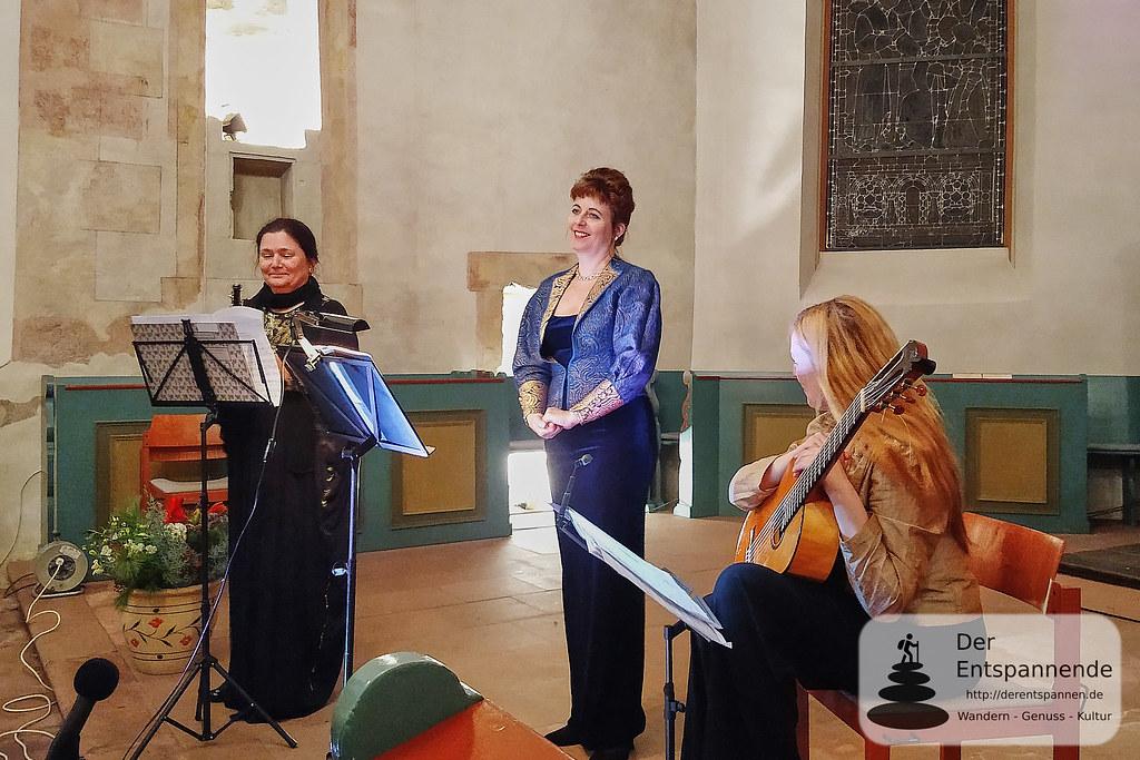 Petra Fluhr (Oboe), Bodil Victoria Arnesen (Sopran), Heike Matthiesen (Gitarre)