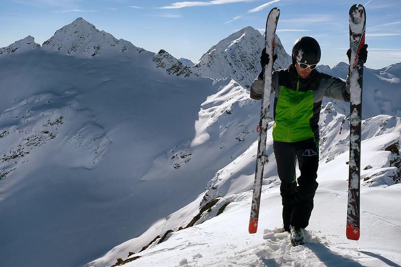 Scialpinismo alla Cima di Val Loga: in vetta