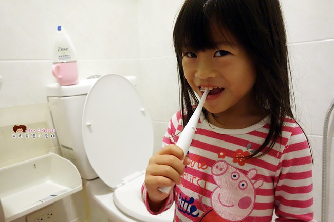 兒童牙刷推薦 AGUARD 兔兔兒童電動牙刷 - (12)