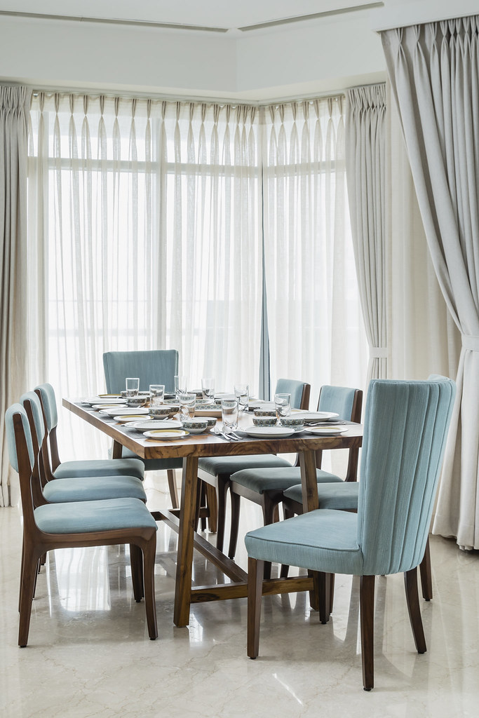 dining room in the home of an expat in Mumbai