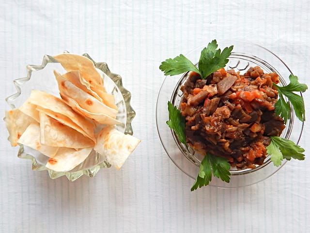 Икра из баклажанов по рецепту из Книги о вкусной и здоровой пище | HoroshoGromko.ru