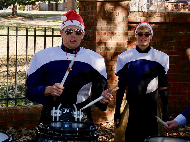 2018-11-17 Huskies @ Raleigh Parade