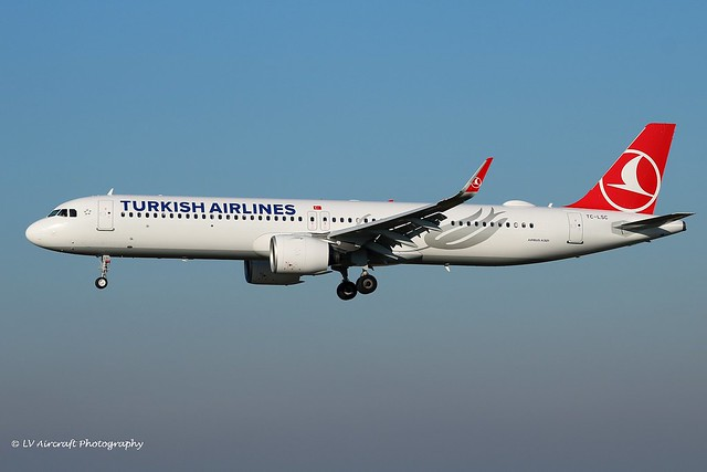 TC-LSC_A21N_Turkish Airlines