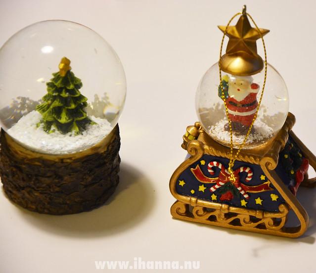 Christmas Tree and Santa on Sled (photo copyright Hanna Andersson, Studio iHanna)