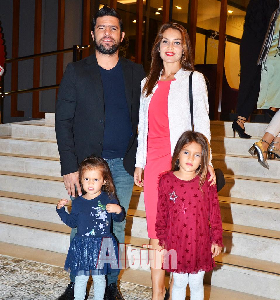 Muzaffer-Sarı-eşi-ve-çocukları