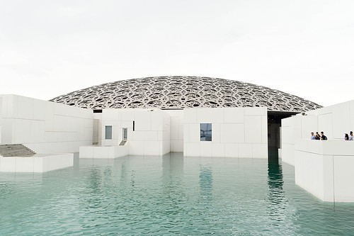 1024px-The_Louvre_Abu_Dhabi_(249423583)