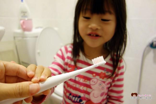 兒童牙刷推薦 AGUARD 兔兔兒童電動牙刷 - (11)