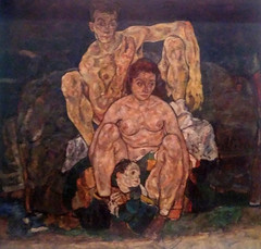 Egon Schiele - The family (Crouching House, 1918) α