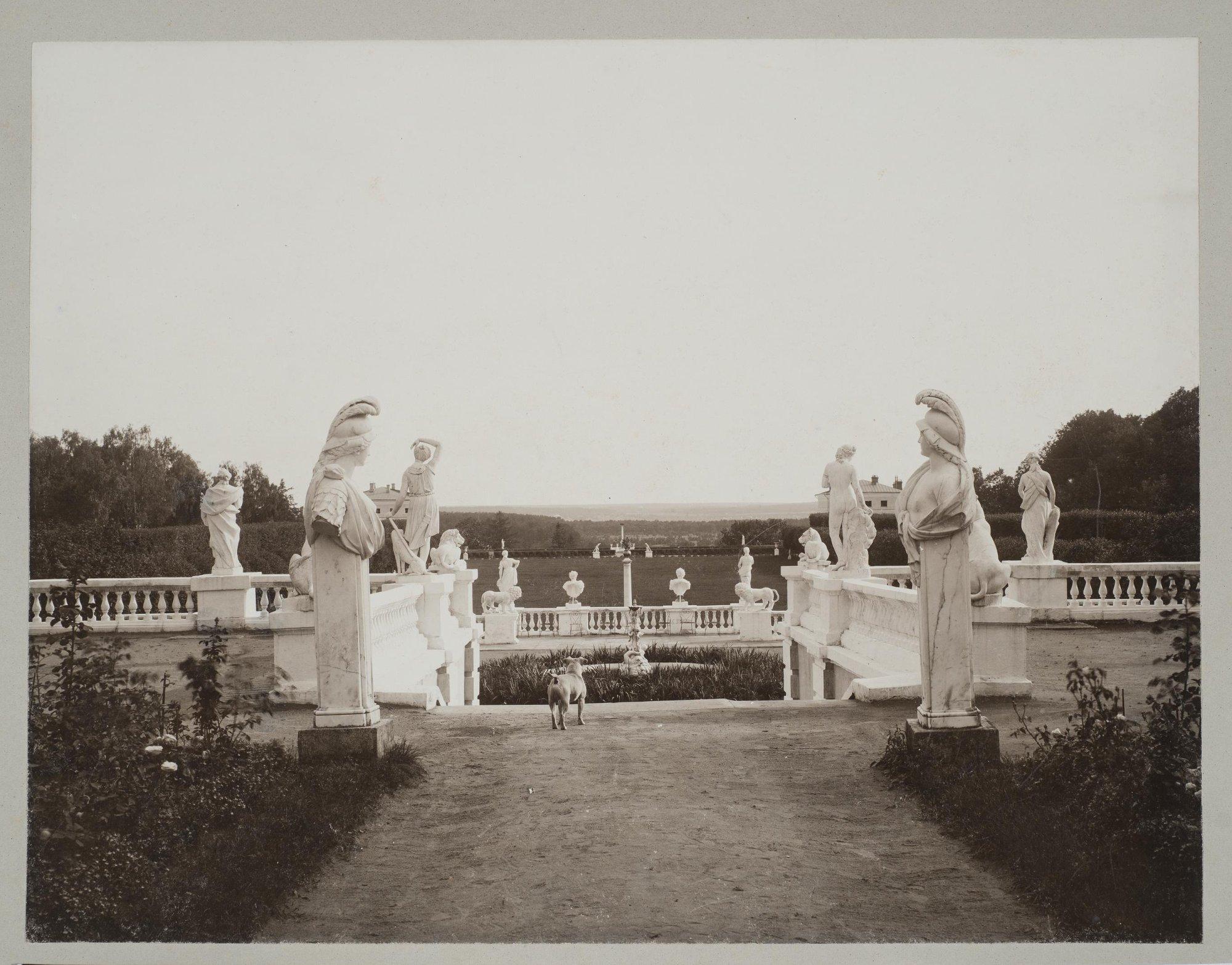 1904. Вид террас в Архангельском
