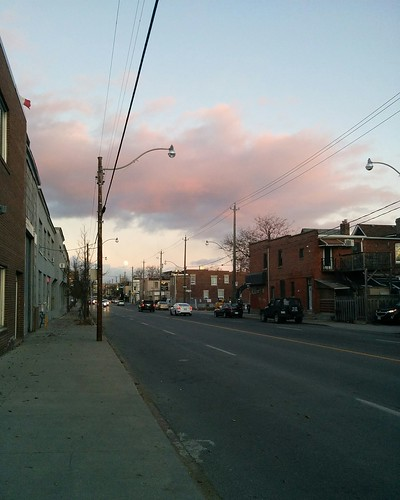 Looking east on Dupont (1) #toronto #dupontstreet #dovercourtvillage #sunset #clouds #moon