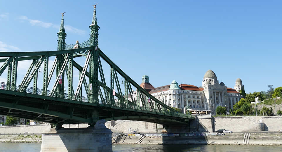 De bruggen van Boedapest | Mooistestedentrips.nl