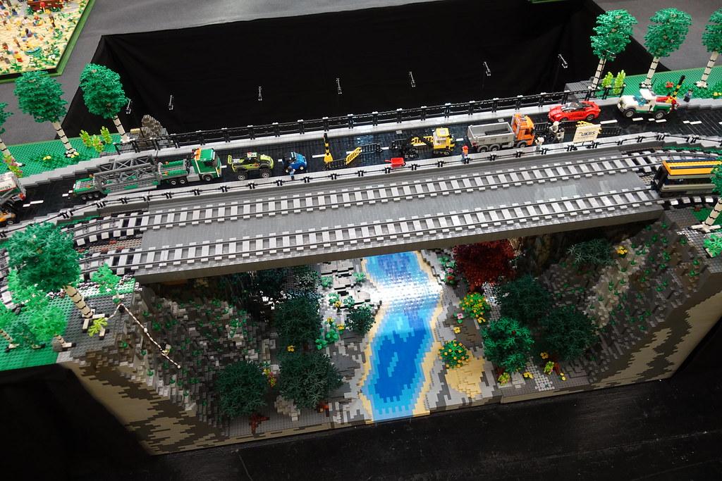 Mit dem Zug durch Europa (Brückenbauwerk NRW)