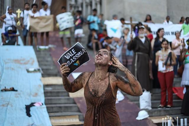 Há uma semana do crime de Brumadinho, movimentos populares fazem atos em todo o país