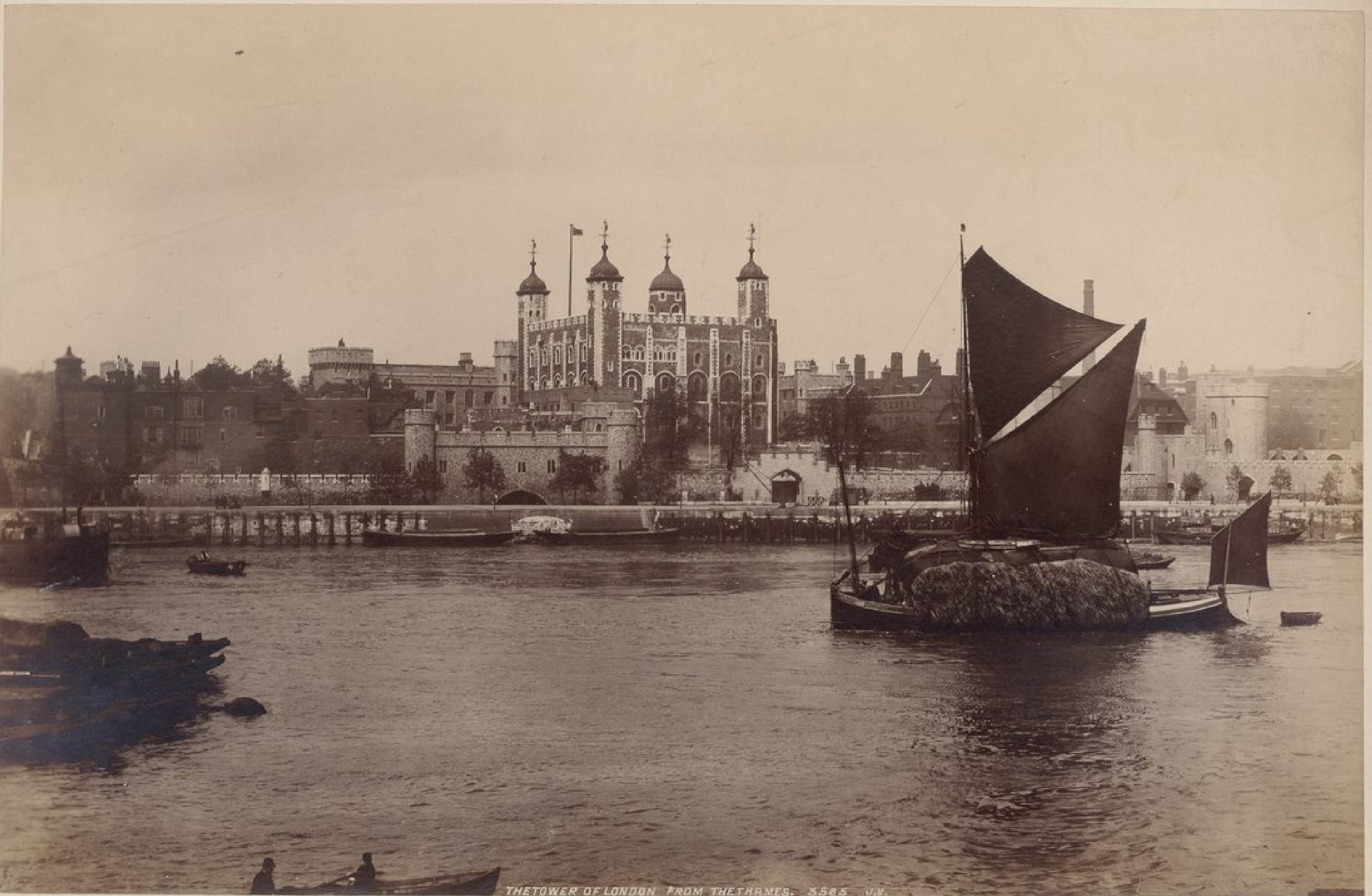 Лондонский Тауэр, Темза
