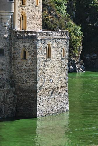 Saint-Priest-la-Roche (42) : château de la Roche