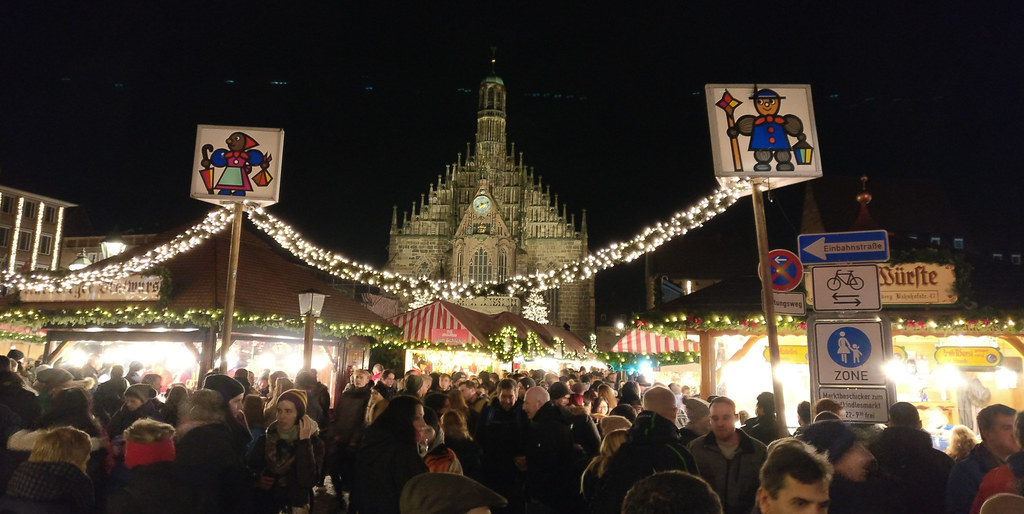 Haupmarkt and the Frauenkirche of Nuremberg in X-Mas time