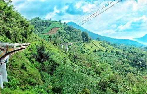 travel travelling hills train landscape photography keretaapiindonesia kai121