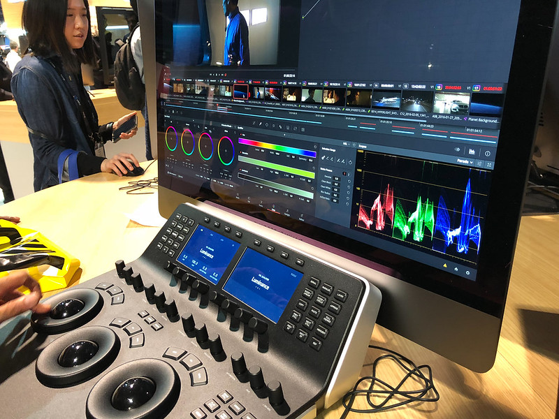 DaVinci Resolve color grading panel