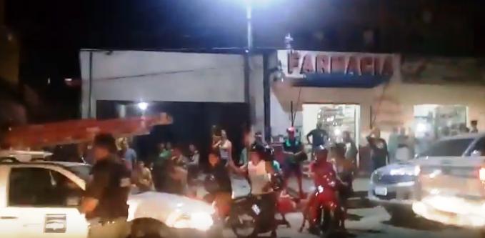 Sob protesto, funcionários da Celpa deixam Óbidos escoltados pela PM; vídeo, celpa protesto