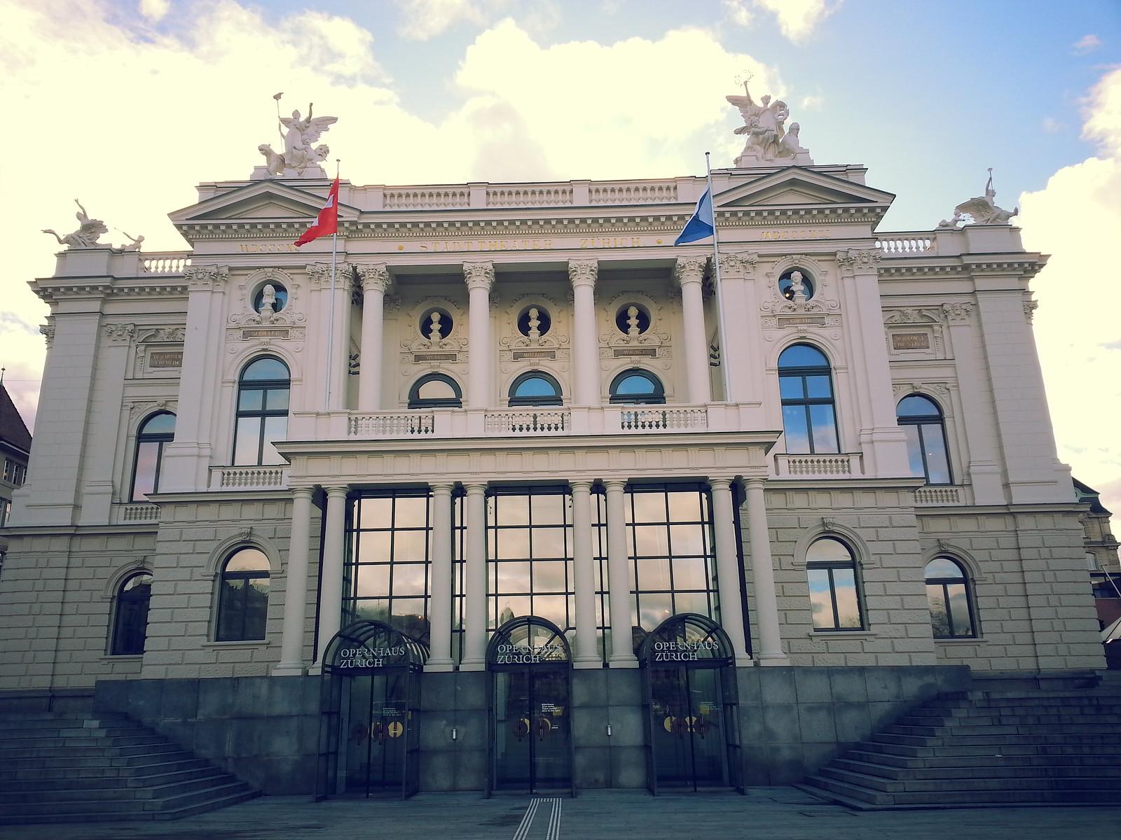 16-02-01 (Zurich) Opera House.