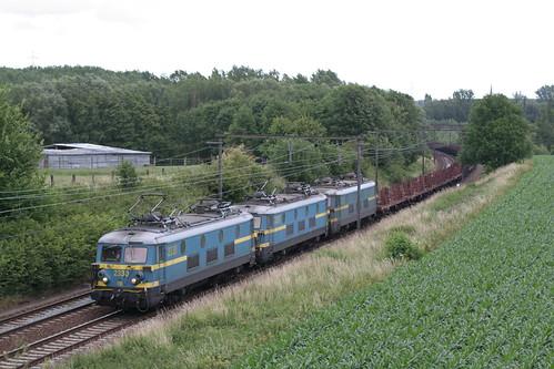 B2330+2325r2375-7029d--22-06-2011