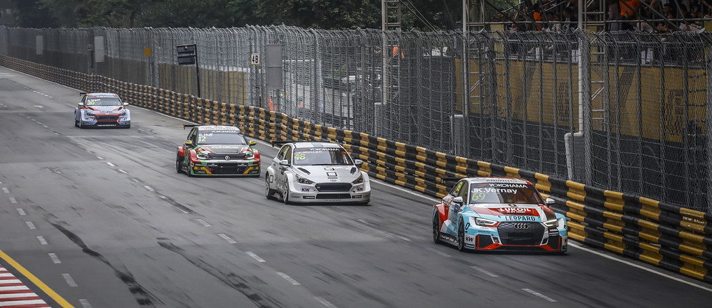 69 VERNAY Jean-Karl, (fra), Audi RS3 LMS TCR team Audi Sport Leopard Lukoil, action 48 MULLER Yvan, (fra), Hyundai i30 N TCR team Yvan Muller Racing, action 12 HUFF Rob, (gbr), Volkswagen Golf GTI TCR team Sebastien Loeb Racing, action during the 2018 FIA WTCR World Touring Car cup of Macau, Circuito da Guia, from november  15 to 18 - Photo Francois Flamand / DPPI