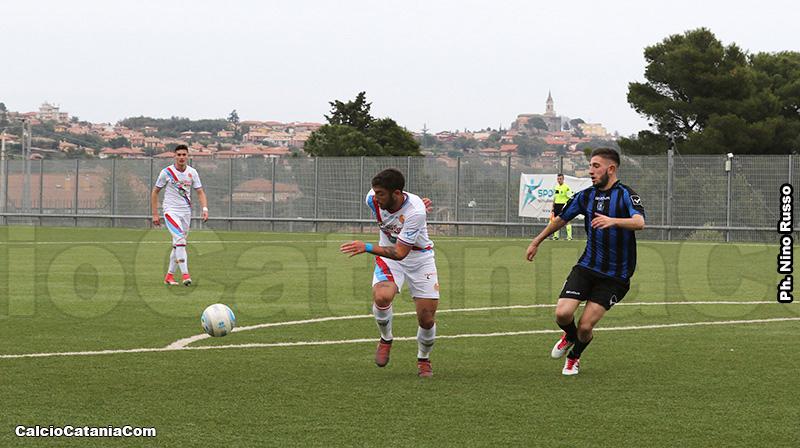 Luigi Rossitto (4 gol) completa la linea d'attacco formata dal duo Pecorino-Distefano