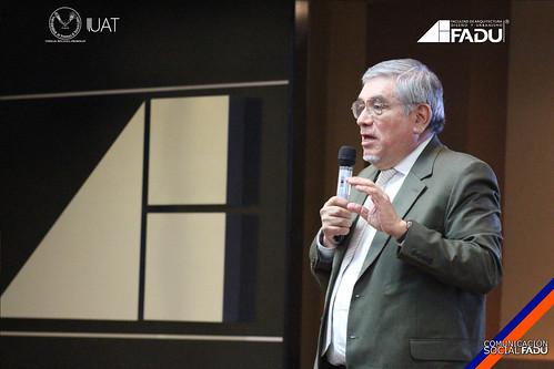 Investigador y científico internacional imparte conferencia en la FADU.
