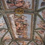 Raffaello (1483-1520) and workshop (Giulio Romano - Giovanni da Udine (per affreschi floreali e festoni) - Raffaelino del Colle - Giovan Francesco Penni)  - Loggia di Amore e Psiche (1518 circa) - Villa Farnesina - Roma - https://www.flickr.com/people/94185526@N04/