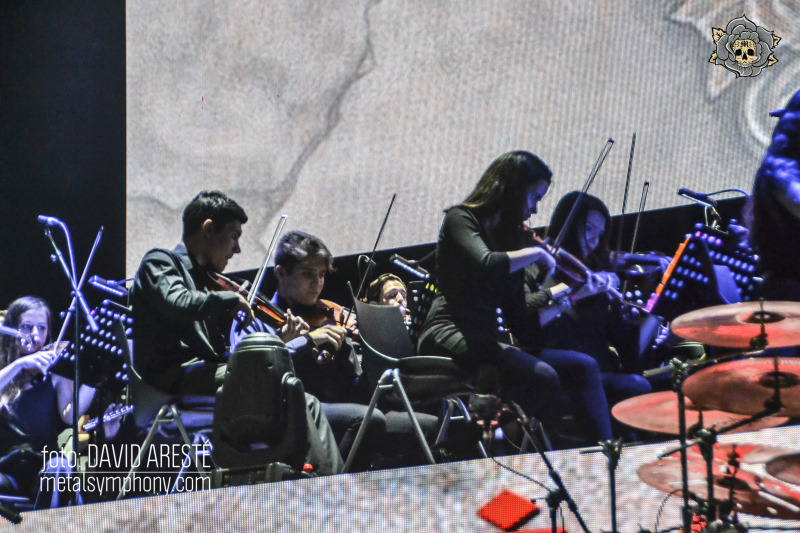 Mägo de Oz celebra su 30 aniversario entre violines