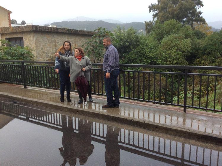 Los Guijos traslada a la delegada de Participación Ciudadana su preocupación por la falta de limpieza del arroyo