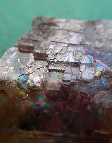 Cubic crystal rainbow