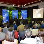 """Puesta en circulación el libro """"Años de avance: escritos de teoría y acción"""" en Miami, Florida."""