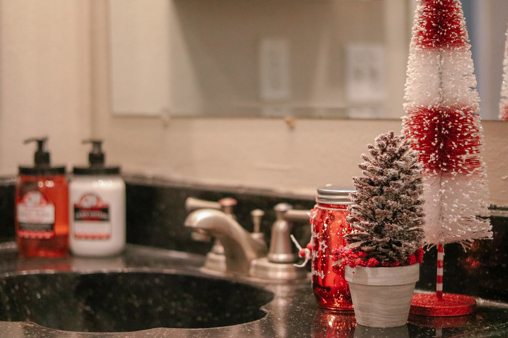 Seasonal Bathroom Decor on a Budget Made Easy #UnbeatableComfort