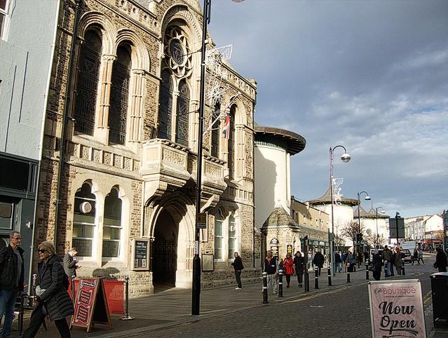Town Hall, bathed in, Fujifilm FinePix E900