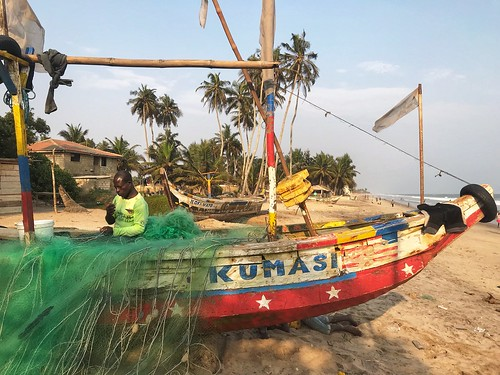colorful color water ocean 0126 jan pad work fisherman fishing boat beach krokrobite ghana